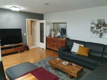 Sehr schöne, gepflegte 2-Zimmer-Wohnung mit Terrasse und Garten in F-Dornbusch