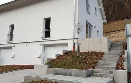 Erstbezug mit Einbauküche und Balkon: freundliche 4-Zimmer-Wohnung in Wiesensteig