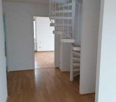 Moosach, Leipziger Straße, Dachterrassen-Maisonette-Wohnung
