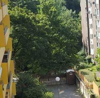 Erstbezug nach Sanierung stilvolle 4-Zimmer-Wohnung mit Einbauküche in Heidelberg Emmertsgrund