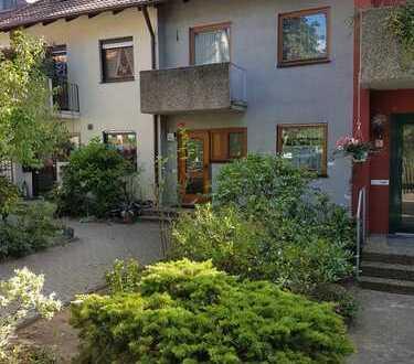 Schönes Haus mit sechs Zimmern in Erlangen, Bruck