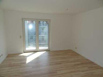 Singlewohnung mit Einbauküche und Balkon!