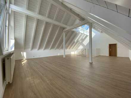 Vollständig renovierte 4,5-Raum-Maisonette-Wohnung mit Balkon und Einbauküche in Hüfingen