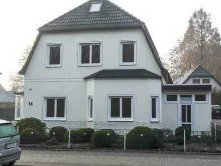 Preiswerte, vollständig renovierte 3-Zimmer-Erdgeschosswohnung mit Einbauküche in Delmenhorst