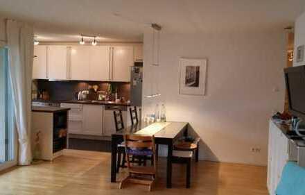 helle, gepflegte 4-Zimmer-Wohnung mit Balkon und Einbauküche in Karlsruhe