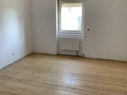 Erstbezug nach Sanierung mit Balkon: freundliche 4-Zimmer-Wohnung in Ludwigshafen