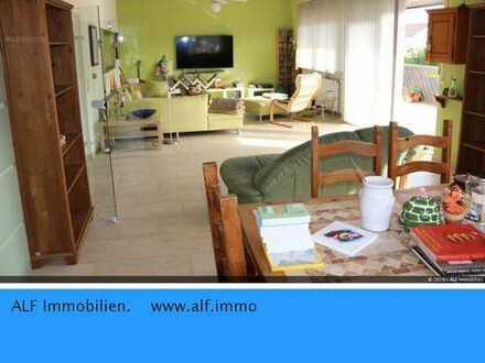 Großzügige 5 ZKBB Wohnung in ruhiger Lage