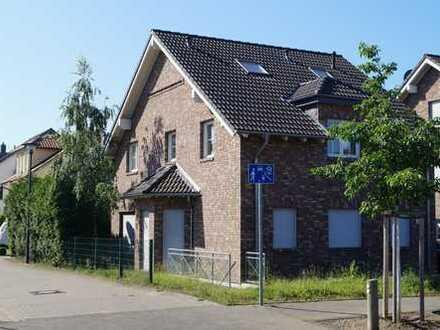 Preissenkung! Freistehendes verklinkertes Haus in Zündorf zu verkaufen