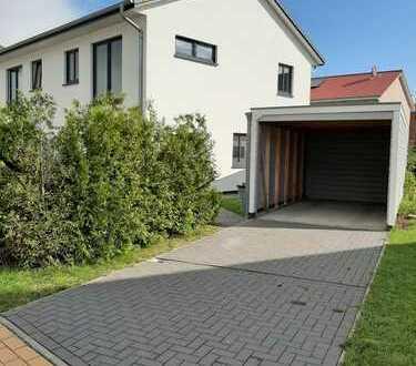 Schöne Doppelhaushälfte mit drei Zimmern in Nordfriesland (Kreis), Husum