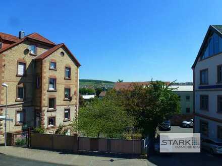 Erstbezug nach Komplettrenovierung - großzügige Altbauwohnung mit Balkon!