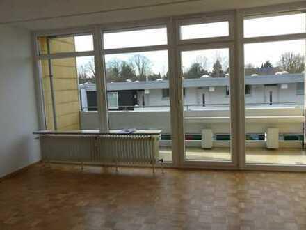 Schöne 1-Zi.-Wohnung mit EBK und Loggia - PROVISIONSFREI