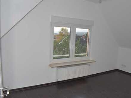 Ansprechende 3-Zimmer-DG-Wohnung mit Balkon in Wiesbaden