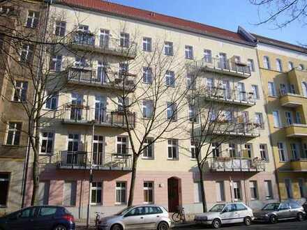 Nahe Comeniusplatz: Bezugsfreie 3-Zimmer-Altbauwohnung im sanierten Altbau