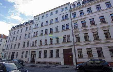 *Wohnen im angesagten Leipziger Osten! Hübsche 2 Zimmer mit EBK, Tageslichtbad mit Badewanne*