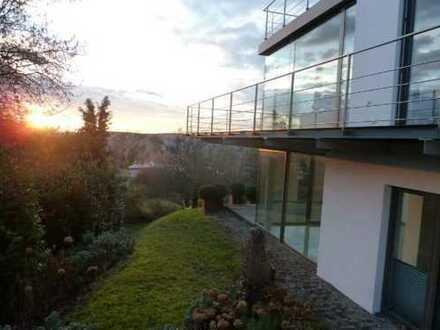 Exklusive, neuwertige 4-Zimmer-Erdgeschosswohnung mit Terassen und EBK in Überlingen