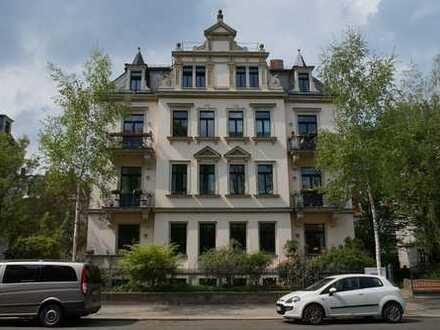 Striesen, Bestlage: Familienwohnung mit 2 Balkonen