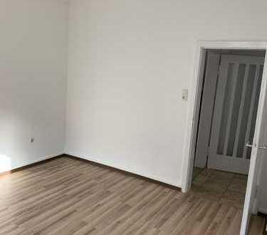 Stilvolle, vollständig renovierte 3-Zimmer-Wohnung mit EBK in köln
