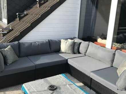 Luxus 3-Zimmer-Penthouse-Wohnung mit Balkon und EBK in Düren