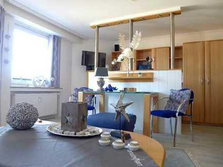 An EINZELPERSON ! TOP modernisierte, strandnahe 1-Zimmer-Wohnung mit West-Loggia