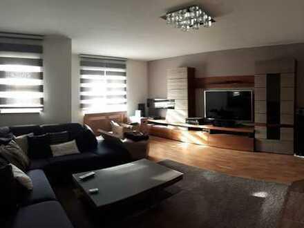 Moderne 3,5-Zimmer-Erdgeschosswohnung mit eigenem Garten und EBK in Aichtal