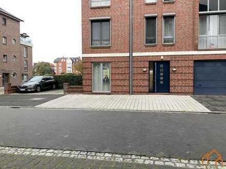 Kleine, repräsentative Bürofläche in zentraler Lage von Leer!
