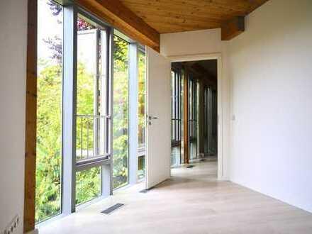 4 Raum Maisonette-Wohnung inkl. Dachterasse, Stellplatz in einem Architektenhaus mit Elbhangblick!!!