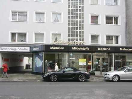 Ladenlokal mit 11 m Schaufensterfront zentral im Musikerviertel