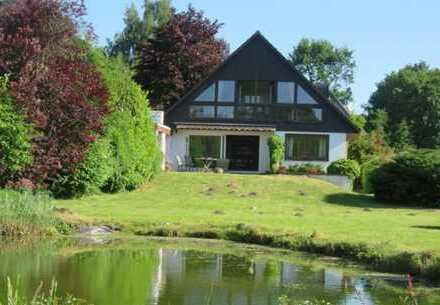Einzelhaus mit Traumgrundstück und unverbautem Blick ins Grüne