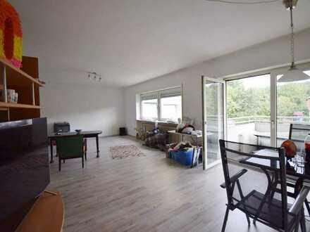 Schöne großzügige 5 Zimmer Wohnung in guter Lage