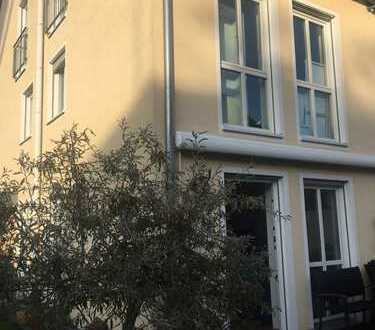 1.100 €, 91 m², 3 Zimmer