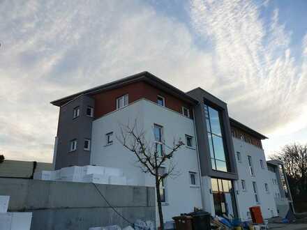 Schöne, geräumige drei Zimmer Wohnung in Mönsheim zum Erstbezug