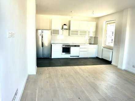 Schicke und moderne, vollständig renovierte 2-Zimmer-Wohnung mit Balkon und Einbauküche in Darmstadt