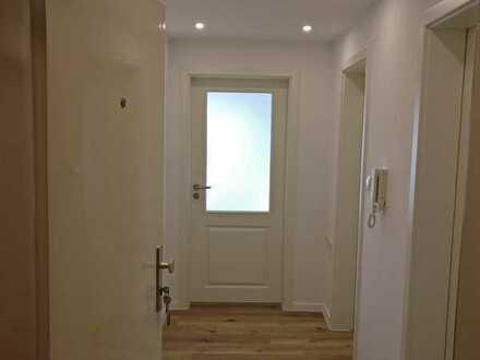 Erstbezug nach Sanierung: attraktive 3-Zimmer-DG-Wohnung mit EBK
