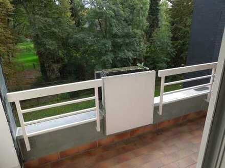 Vollständig renovierte 3,5-Zimmer-Wohnung mit Balkon in Bochum