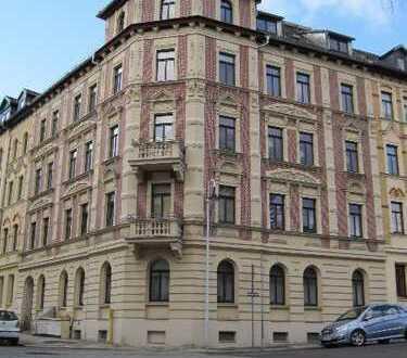 2-Zimmer-Wohnung, möbiliert und mit EBK in Altenburg