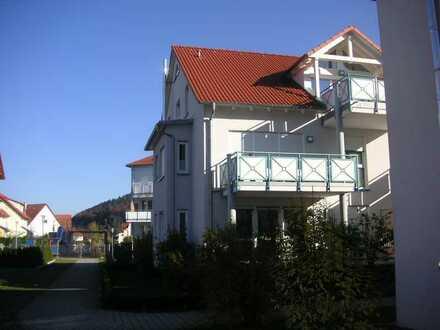 Helle 3-Zimmer-Wohnung mit Südwest-Balkon und EBK in 4-Familien-Haus in Nufringen