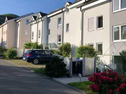 Sonnige 2-Zimmer-Wohnung mit Balkon und Einbauküche in Beuren