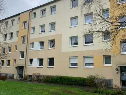 helle, renovierte 3 ZKB mit Balkon in gepflegter, begrünter Wohnanlage - Einbauküche optional -
