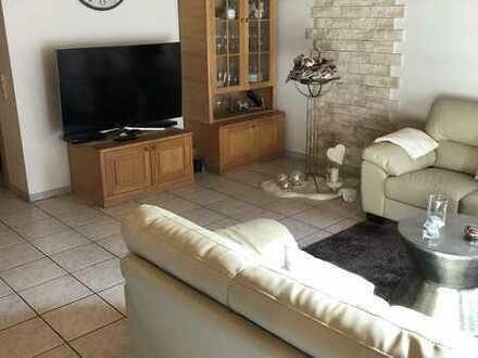 Gepflegte 3,5-Raum-Wohnung mit Balkon und Einbauküche in Fürth