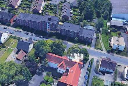Schicke Eigentumswohnung mit Balkon, Garage und Aufzug !