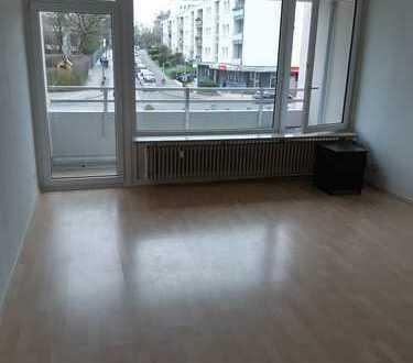 renovierte 1-Zimmer-Wohnung mit Balkon und Einbauküche in Aachen Burtscheid