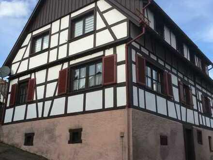 Eigentumswohnung mit 4 Zimmern, Küche und Bad
