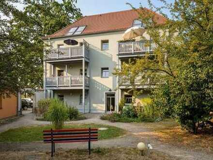 Dresden - Großzschachwitz! Helle 3 RWG mit Balkon im Dachgeschoss zu vermieten!