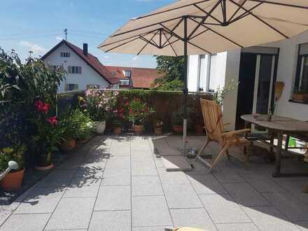 Große helle 5-Zimmer-Maisonette Wohnung in 89290 Buch