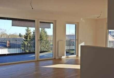 Viele Fenster, große Balkone, tolle Einbauküche - hier ist Wohlfühlen angesagt.