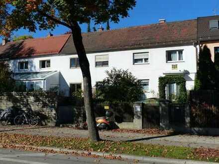 Harlaching-Giesing Vierspänner-Einfamilienhaus (Architekt Max Unglehrt)
