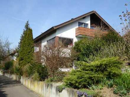 Wohnhaus mit 3 Wohnungen in unverbaubarer Südlage in 71672 Marbach am Neckar ****