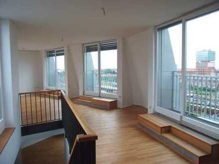 *einmalige 4-Zimmer-Maisonette-Wohnung mit TOP Dachterrasse an der Warschauer Brücke*