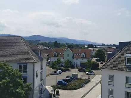 Schöne, geräumige drei Zimmer Wohnung in Rastatt (Kreis), Sinzheim