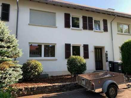 3.ZKB EG-Wohnung mit Balkon und EBK in bester Wohnlage Homburg.